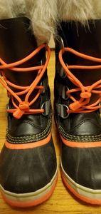 Sorel girl boots